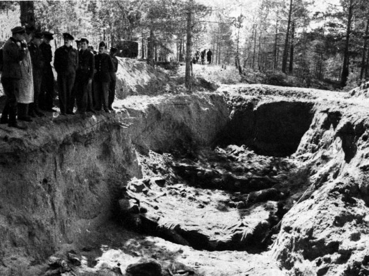 Masowy grób Polaków zamordowanych wKatyniu